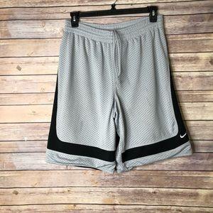EUC NIKE Lined Baskeball Shorts  M